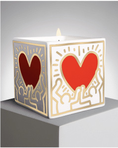 "Bougie Keith Haring ""Red Heart with gold"", pot en porcelaine"